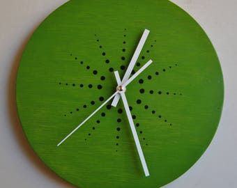 Hand painted. Kiwi wall clock. Plywood. Silent.