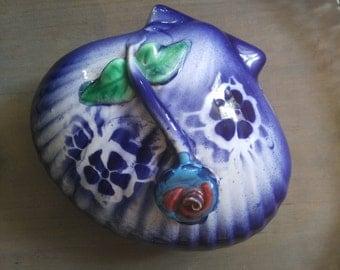 Vintage ceramic box French shell. Trinket Box. Majolica