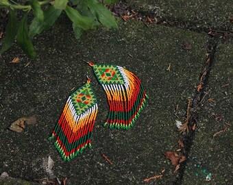 Magnifique - Huichol inspired beaded earrings