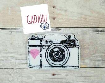 Camera with heart feltie. Embroidery Design 4x4 hoop Instant Download. Felties. Photograph feltie Photos feltie