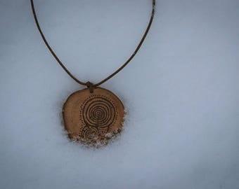 Laxe das Rodas petroglyph wood burned pendant, petroglyph necklace, Galician rock carvings, prehistory, pirography pendant.