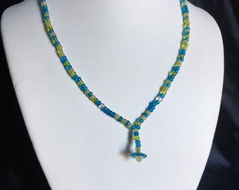 Green and blue flower pendant necklace