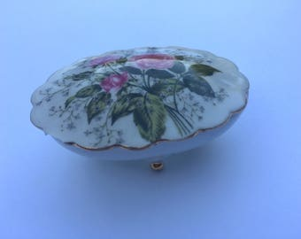 Small ceramic jewelry holder with pink roses