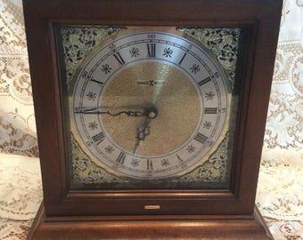 Vintage Howard Miller 612-588 Mantel Clock / Chimes / Works