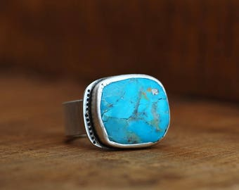 """""""Indra"""" ring. 925 silver with Chinese turquoise. Adjustable size. Handmade single piece."""