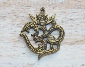 Large Om Brass Charm, Om Amulet, Yoga Charm, Namaste Charm, Om Pendant