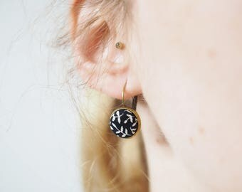 Small Brisur hanging earrings with a floral pattern fabric