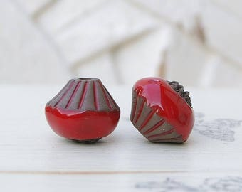 Beads, ceramic, red, black, 2 X