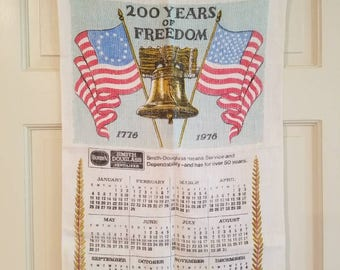 Vintage American bicentennial calendar tea towel | 1776 to 1976 | 200 years of freedom | kitchen decor | kitchen linens | housewarming gift
