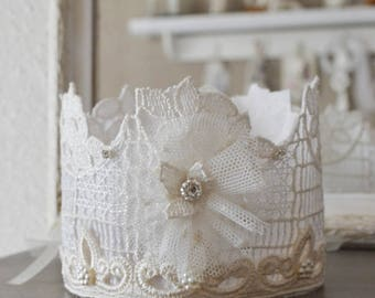 Shabby lace adorned with a tulle flower Crown