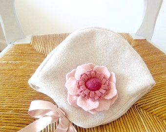 Wool bonnet for babies and girls - Choose your felt flowers