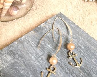 Dangling earrings ink