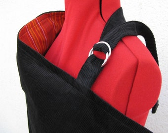 Nursing open and reversible, black and red stripes