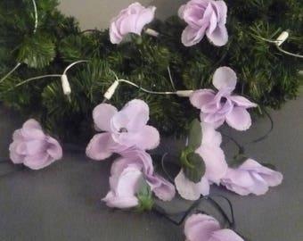 Garland light mauve flowers