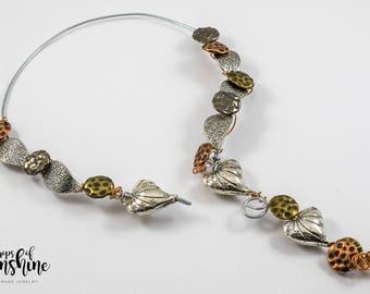 Metallic drops necklace
