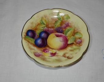 Made in OCCUPIED JAPAN, wonderful saucer,collectible, hand painted fruit motif of peaches,plums and blackberries,1940s, Orchard, replacement