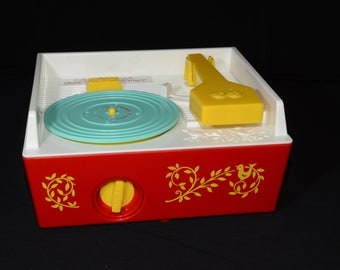 Vintage, Fisher Price, Classic, Record Player, Music Box, Retro, 2 Records, 4 songs, Children's Educational Toy, Christmas gift