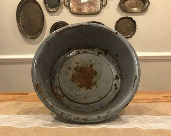 Enamel wash basin bowl ready for your farmhouse decor