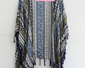 Kimono with Bohemian Print with Tassel in Blue