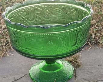 Green E.O. Brody M600 vase