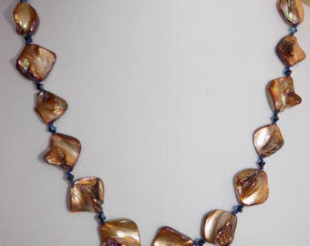 Shell Necklace Island ...
