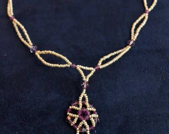 Necklace in nickel free gold/lilac Swarovski Crystal
