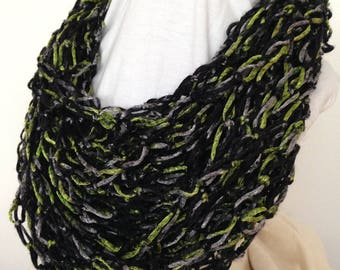 Moss Necklace Scarf