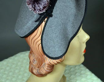 Stylized 50's PILLBOX Hat with Sculpted Front Brim_MADE in ITALY, ROBINSON'S_Heather Grey Felt_True 1950's Vintage
