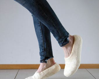 White snowy days slippers