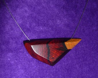 Wooden pendant necklace (Rosewood)