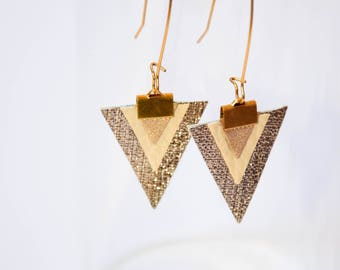 Earrings Triangles shades of gold