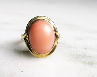 14K Yellow Gold Pink Coral Cabochon Ring