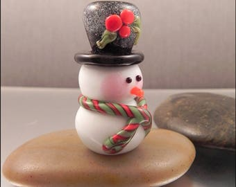 Ginnovations lampwork, Frosted Snowman focal bead, black hat