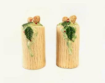 Vintage Christmas Salt & Pepper Shakers, Tree Trunks with Pine Cones and Holly Berry Leaves, Cream Green and Red Holiday Kitchen Table Decor