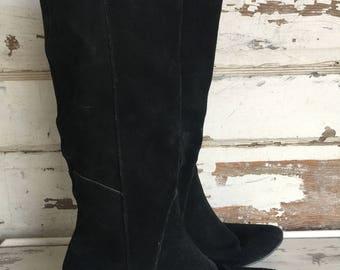 Vintage Boots - Kitten Heel Black Suede Women size 8 -1980s - 1990s Style