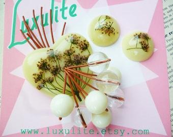 Summer hedgerow 1940's 50s handmade pale lemon bakelite fakelite inspired floral brooch and optional earrings by Luxulite