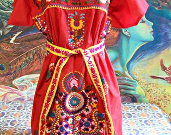 Mexican Dress, Embroidered, Red, Flowers, Christmas, size L