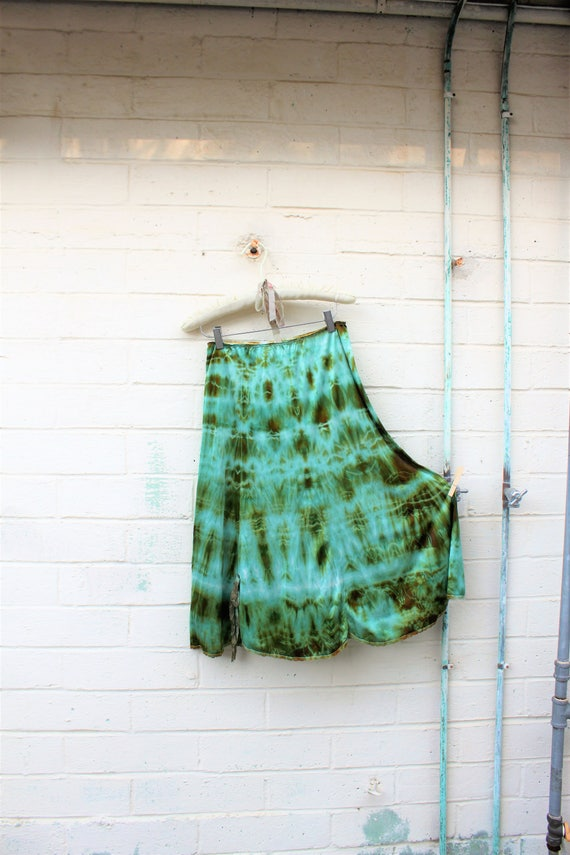 Medium Tie Dye Skirt/Vintage Skirt/Upcycled Skirt/Hippie Tie Dye Skirt/Tie Dye Lace Skirt/Upcycled Skirt/French Fairy/Green teal  shibori