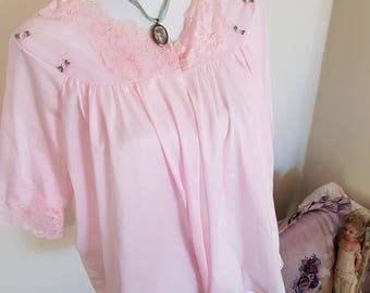 vintage bed jacket, pink vintage jacket, pink vintage lingerie, rosebuds lace, pink bed jacket