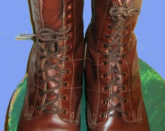 Men's Broown Corcoran,1510 style Jump Boots Sz 10.5  Excellent condition.