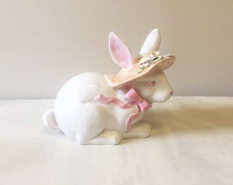 Vintage rabbit figurine, bunny figurine, easter bunny, bunny rabbit, easter rabbit, ceramic figurine, vintage figurine, rabbit ornament