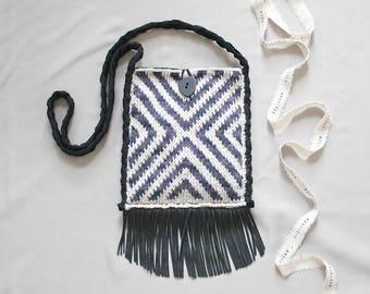 leather fringe crossbody bag // long strap black fringe bag // black leather purse // boho fringe bag // festival crossbody bag with fringe