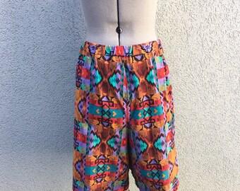 Vintage 90s Unisex Multicolor Geometric Print Shorts, High Waisted, Summer Shorts, Beach Shorts, Men's Shorts, Size M