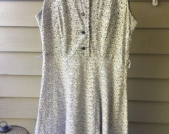 Vintage Handmade Plus Size 1970's Floral Eyelet Dress