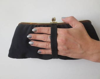 Vintage '50s Harry Levine Black Rayon Kiss Lock Wristlet Clutch w/ Champagne Satin Lining