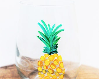 Pineapple Wine Glass, Hand Painted Wine Glasses, Pineapple Gifts, Stemless Wine Glass, Pineapple Decor, Personalized Wine Glass, Gift for He