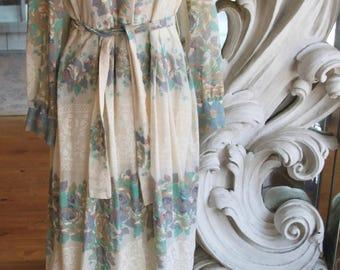 Vintage 1970s Romantic Floral Print Maxi Dress