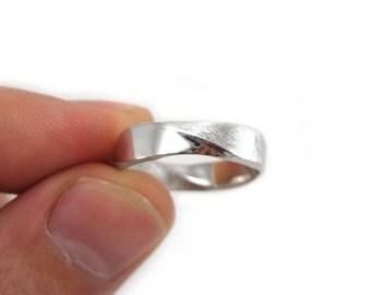 Platinum mobius mens wedding band, Mobius wedding ring in platinum, 5mm platinum mens mobius ring, Wide mans wedding band in platinum 950