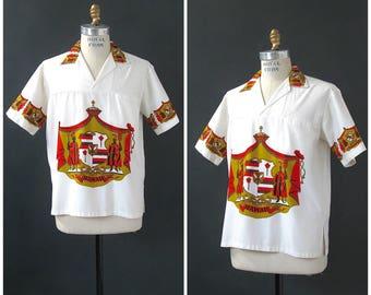 KING KAMEHAMEHA Vintage 60s Shirt   1960's Cotton Shirt by Hawaiian Holiday   Novelty Print Shirt   Tiki Hawaiiana Exotica VLV   Size Medium