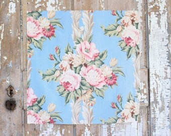 Pink Cabbage Roses Floral Pattern 30s 40s Vintage Fabric Decorative Throw Pillow Cushion